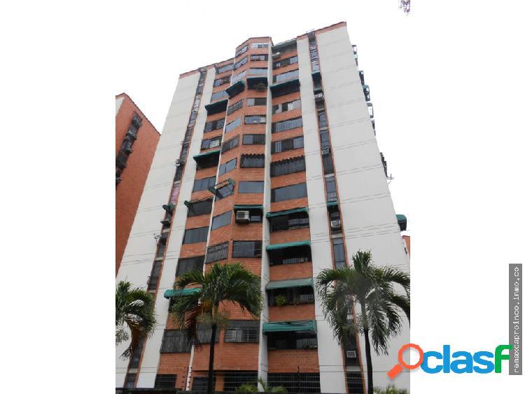 Apartamento en la Urbanizacion La Granja.