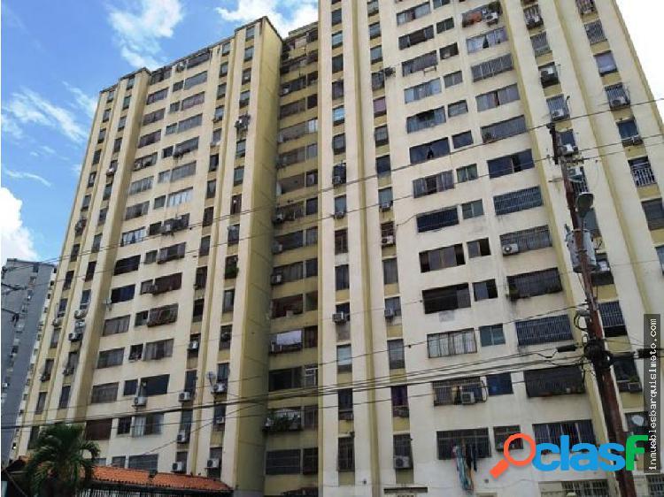 Apartamento en venta en Las Trinitarias 18-13436