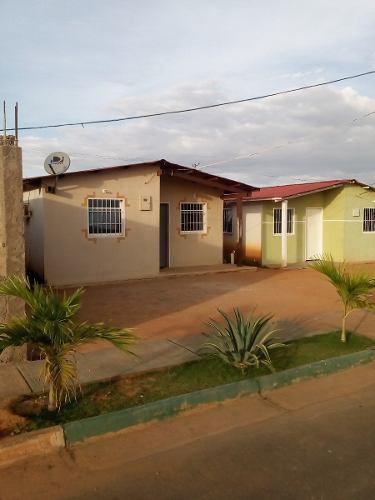 Casa En Villa Caruachi, Ud338, Puerto Ordaz, Edo. Bolivar