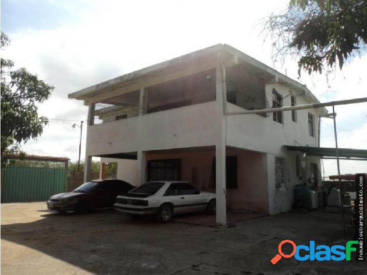 Casa Granja en Venta Las Tunas Barquisimeto 18-642