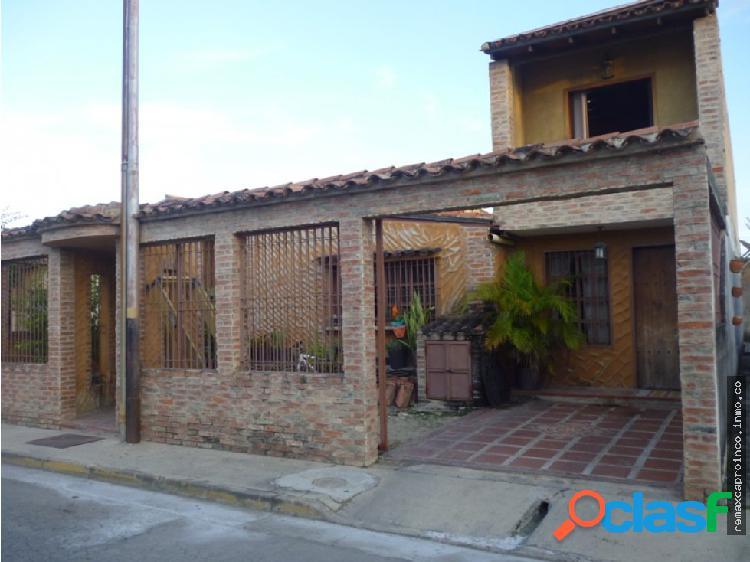 Casa en Urb Agua Sal Conjunto Rio Verde