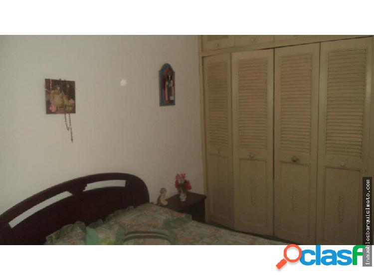 Casa en Venta El Trigal Cabudare 18-15184