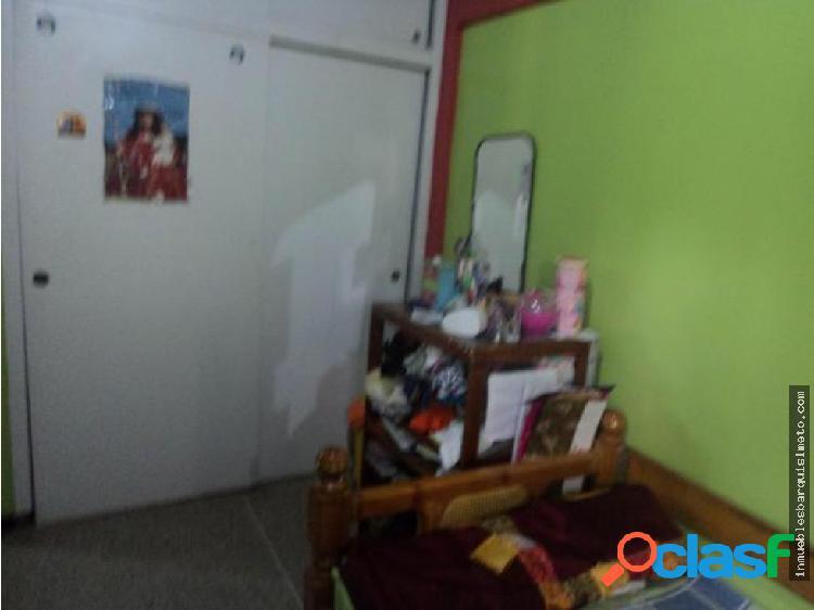 Casa en Venta Urb. El Valle Cabudare 18-9811