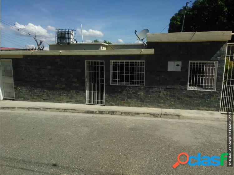 Casa en Venta en Agua Viva MLS 18-16679