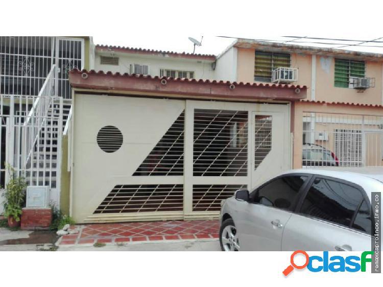 Casa en la Urb. Isabelica