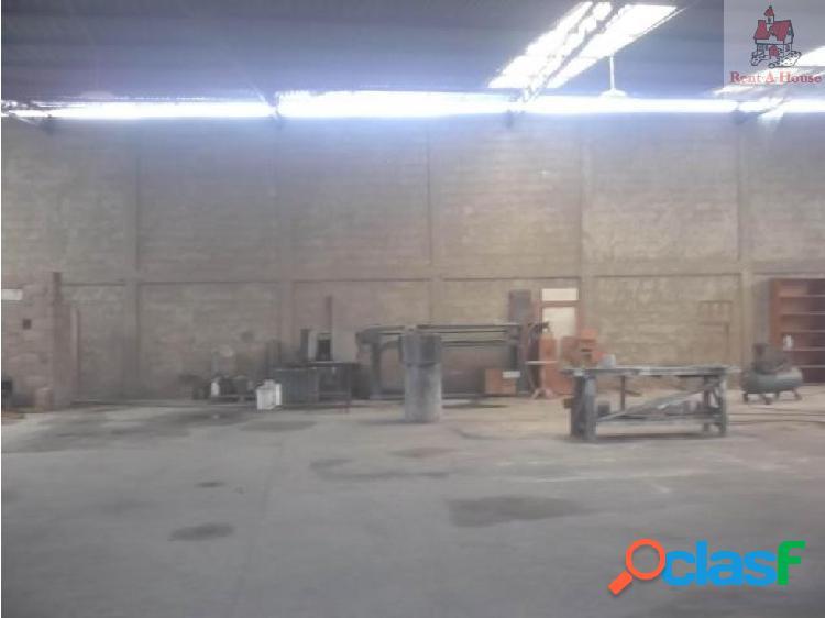 Comercial en Venta Casco Central Lz 18-11164