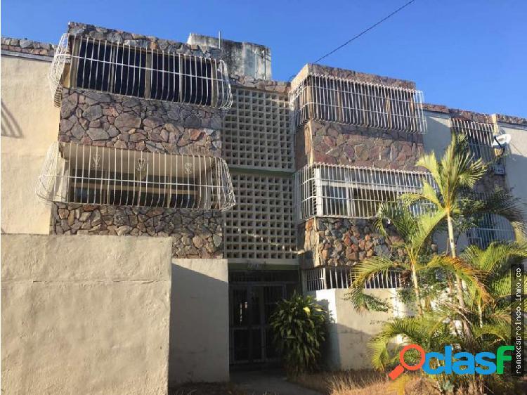 En Venta Cómodo Apartamento El Morro