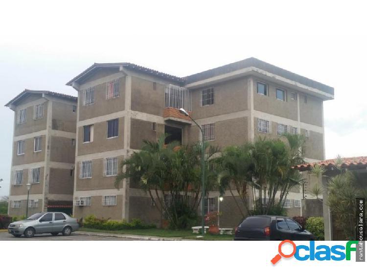En venta Bello Apartamento en Cabudare 18-5081
