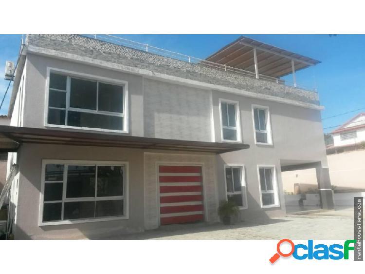Hermosa casa en Venta en El Manzano. Cod. 17-15801