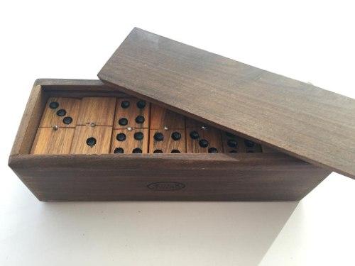 Juego De Domino En Madera