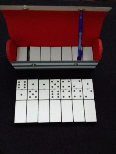 Juego De Dominoes Grandes Elaborados De Formica Blanca