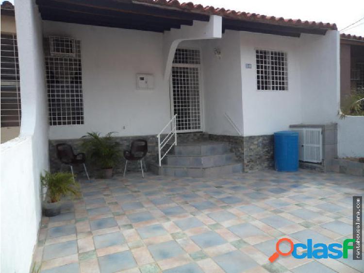 Se Vende Bella Casa en La Mora Cabudare 18-7794