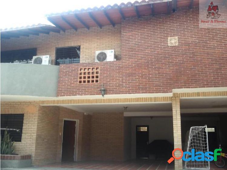 Townhouse en Venta Manongo CV 18-11082