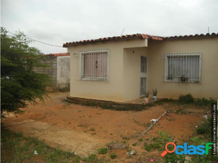 Vendo Casa en Conjunto Privado de Yaritagua