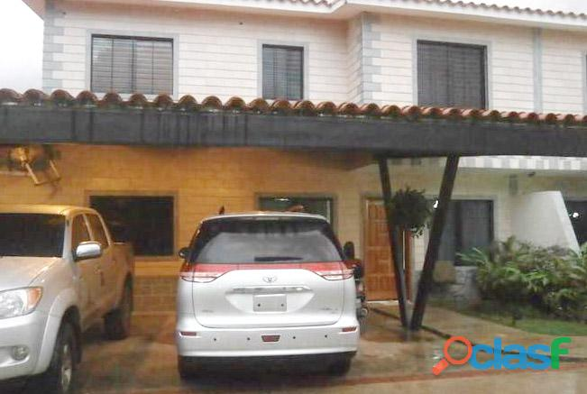 Venta Casa de 2 Niveles Urb. Terranostra San Diego RCS10