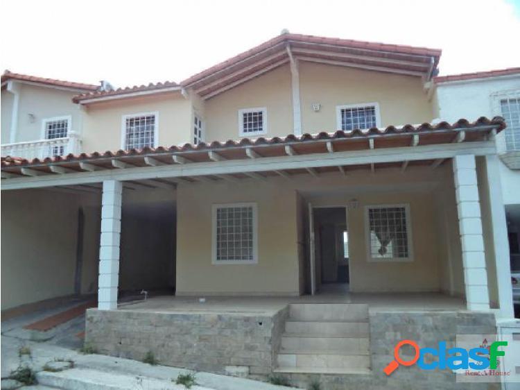 hermosa casa en el este de la ciudad de BQTO