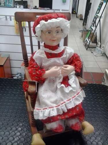 Adorno Navideño Señora Santa Claus En Mecedora Con