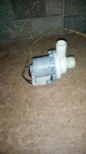Bomba De Agua Lavadora Mabe Usada