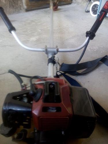 Maquina Podadora Desmalezadora 3.5 Hp Economica Poco Uso