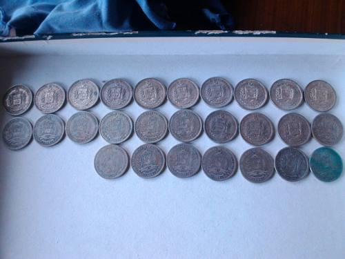 27 Monedas De Un Bolívar Años  Xf-vf+