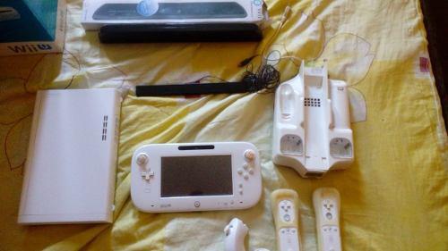 Nintendo Wii U 8gb Con Gamepad 2 Controles Sensor Grande