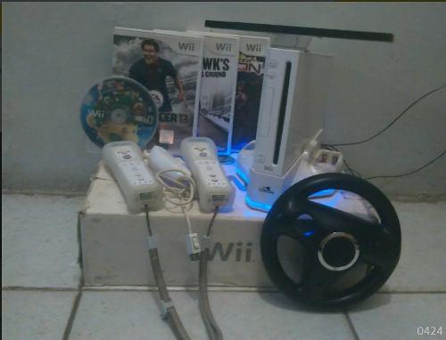 Consola Nintendo Wii + 2 Controles + 3 Chips + Sd 2gb Y Mas