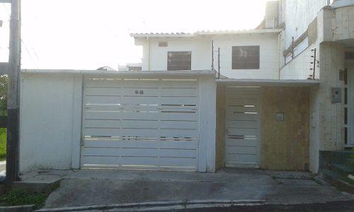 Casa De Dos Pisos En La Guayana