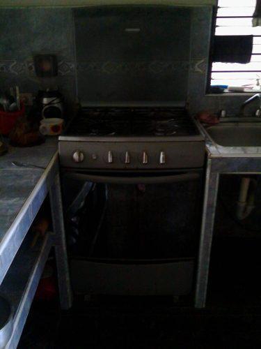 Cocina Mabe 4 Hornillas Tapa De Vidrio Más Horno Usada