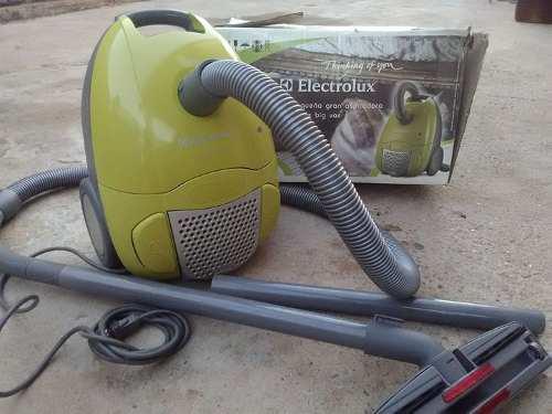 Aspiradora Electrolux Ingenio Verde 1300w