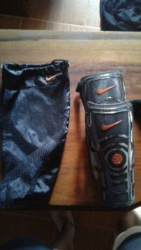 Canilleras Nike T90