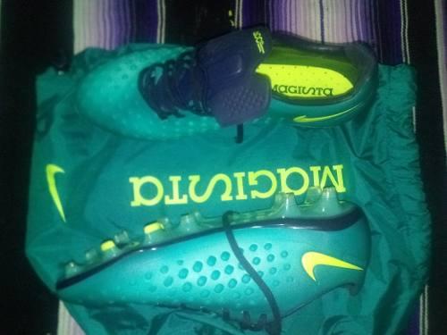 Tacos Futbol Nike Magista