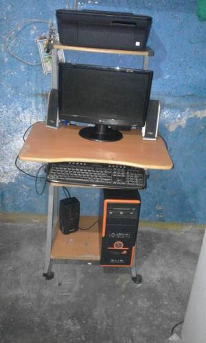 Computadora, Inpresora, Mesa, Regulador De Voltaje Y Silla