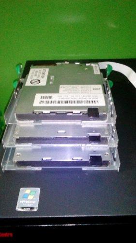 Unidad De Floppy 3 1/2 Pulgadas Con Base