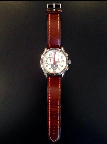 Reloj Victorinox Correa De Cuero Modelo .