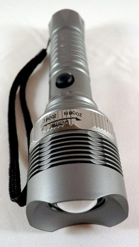 Linterna Led Lumen Zoom 300 Mts