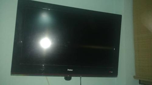 Tv Televisor Ha 32 Pulgada Pantalla Plana Con Base Y Control