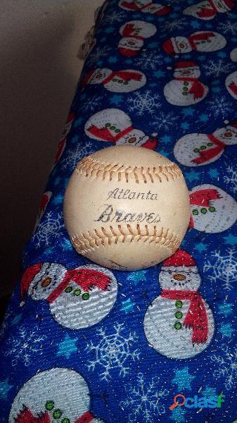 Pelota de béisbol de los Bravos de Atlanta firmada por Hank