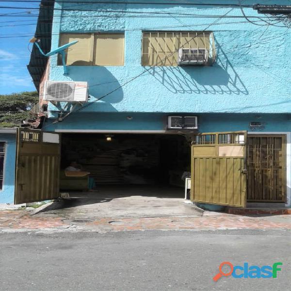 CASA EN LA URBANIZACIÓN LA FAPET, San Cristobal.