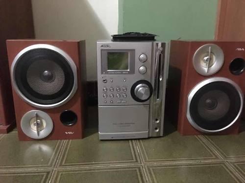 Equipo De Sonido Radio Reproductor Usado. Marca Aiwa En Perf