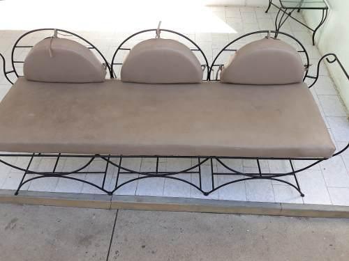 Mueble De Jardín En Hierro Y Mesa De Centro