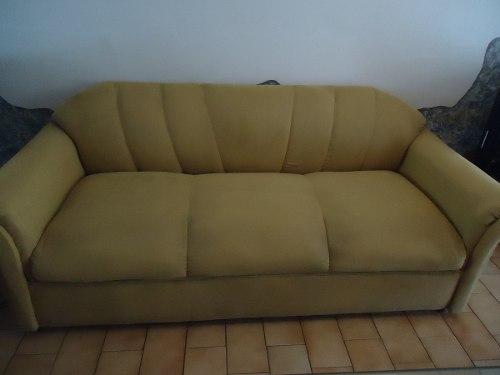 Bello Sofa 3 Puestos. Mueble. Tela Microser.usado.