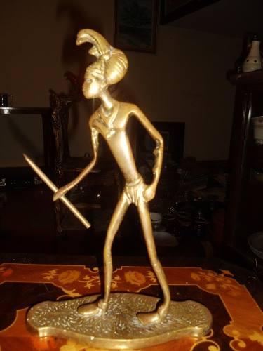 Antigua Escultura De Bronce En Forma De Indio En Buen Estado