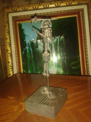 Escultura De Bronce Don Quijote Artesanal Con Base De Madera