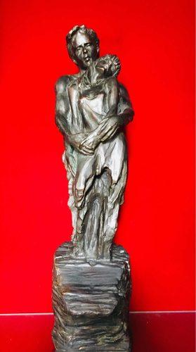 Escultura De Bronce Y Aleación De Cobre Pareja Novios