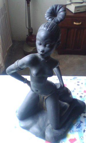 Figura Antigua De Negrita Africana Con Detalles Oferta