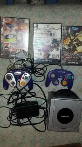 Game Cube Con 2 Controles Y 2 Juegos