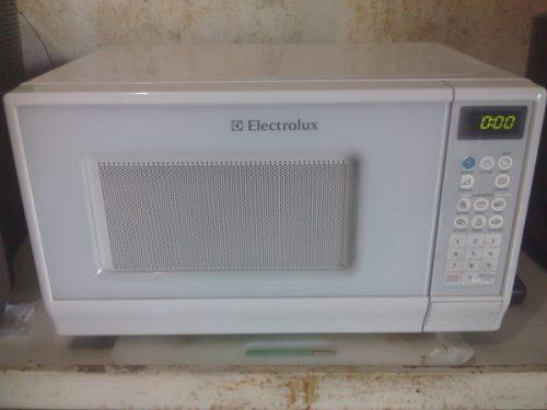 Horno Microondas Electrolux Blanco De 20 Litros