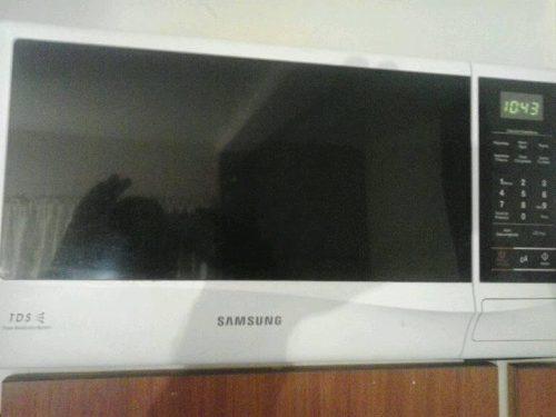 Horno Microondas Samsung Ame83krs-2ap Potente Ceramica