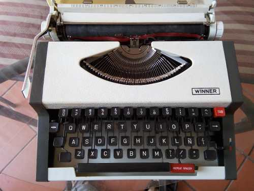Maquina De Escribir Antigua Winner Coleccion Vintage Adorno