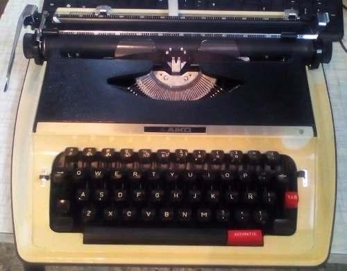 Máquina De Escribir Marca Aiko